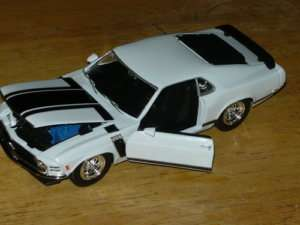NEW 125 DIECAST 1970 WHITE FORD MUSTANG BOSS 302