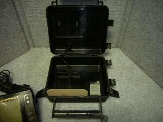 EAGLE SUPRAPRO I.D. DEPTH FISH FINDER & SKIMMER W/ PORTABLE BATT BOX