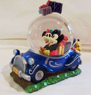 Minnie and Mickey Mouse Disney Snow Globe Christmas Holiday