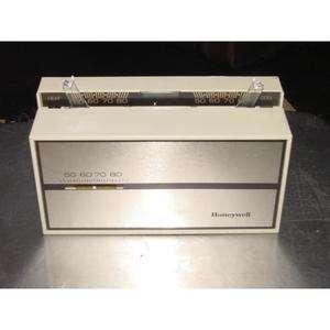 HONEYWELL T874D1009 24 VOLT HEAT/COOL THERMOSTAT 167475 085267096898