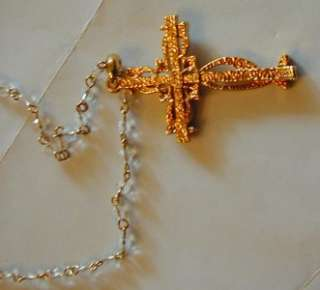 JACQUELINE KENNEDY GOLD TONE AND CLEAR CRYSTAL CROSS W/ CHAIN