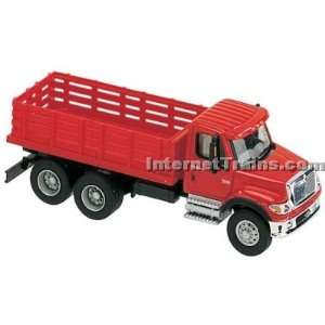 HO Scale International 7000 3 Axle Stake Bed Truck   Red Toys & Games