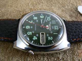 SEIKO 5 GREEN MILITARY STYLE 7019 7110 AUTO 17 JEWELS MEN WATCH