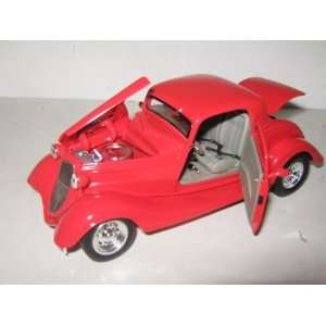 1934 Ford Coupe Hard Top Red 1/24: Toys & Games