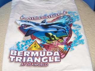 SEA WORLD Bermuda Triangle SHARK 1990s T Shirt XXL New