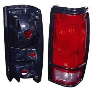 CHEVY S10/GMC S15/SONOMA 82 93 TAIL LIGHT UNIT PAIR SET NEW W/BLACK