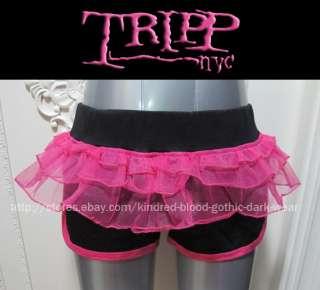 Tripp nyc cyber goth fushia&black ruffle layer shorts [size M]