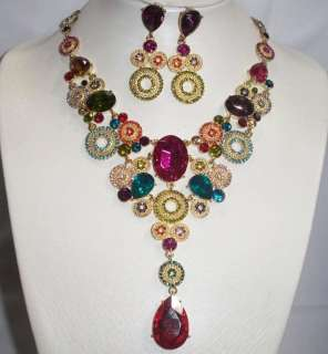 WONDERFUL GOLD MULTICOLOR CRYSTAL NECKLACE AND EARRINGS SET