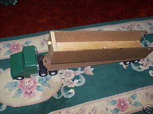 HAND CARVED WOODEN 18 WHEELER TRACTOR TRUCK W/TRAILER