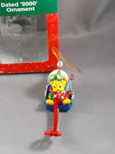 LOONEY TUNES TWEETY Bird Sledding Christmas Ornament 2000
