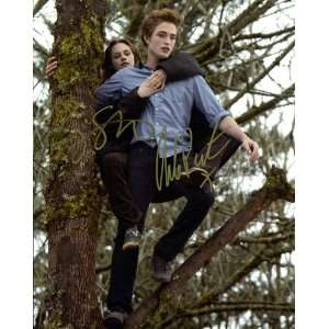 Robert Pattinson & Kristen Stewart Autographed 8x10 Photo