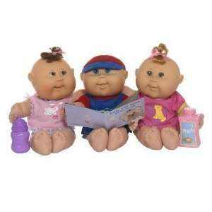 Cabbage Patch Kids Newborns   Caucasian Girl with Brown Hair: Toys