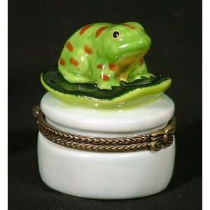 Baby Frog Froggy Lilypad Hinged Trinket Box phb