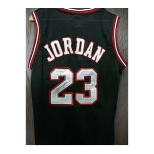 Signed Jordan, Michael (Chicago Bulls) Authentic Chicago Bulls Jersey