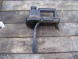 JACOBSEN SNOW BLOWER / SNOWBLOWER GAS TANK, BRACKET CAP